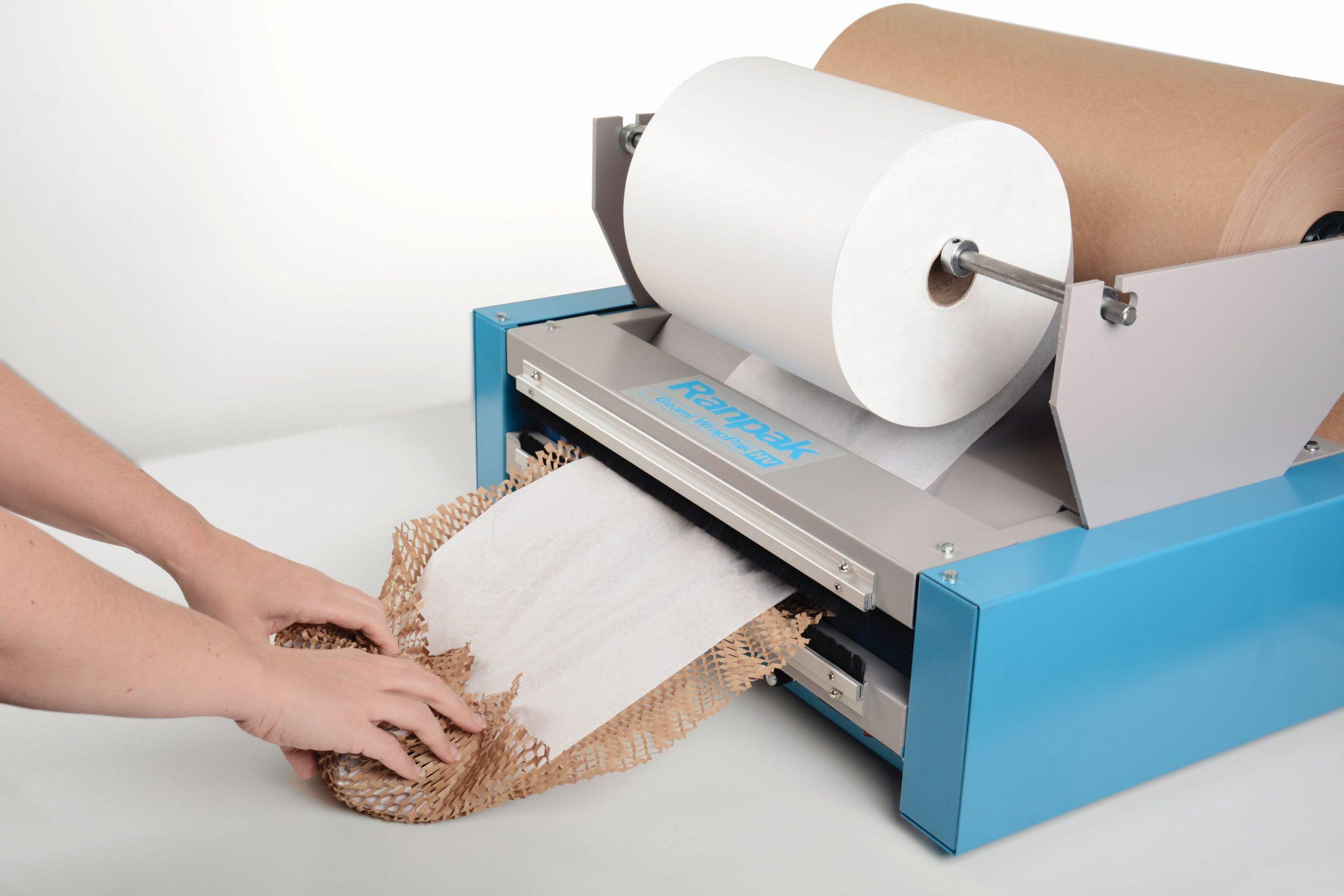 Ranpak GEAMI HV ekologiczy sposób pakowania ozdobnego w papier